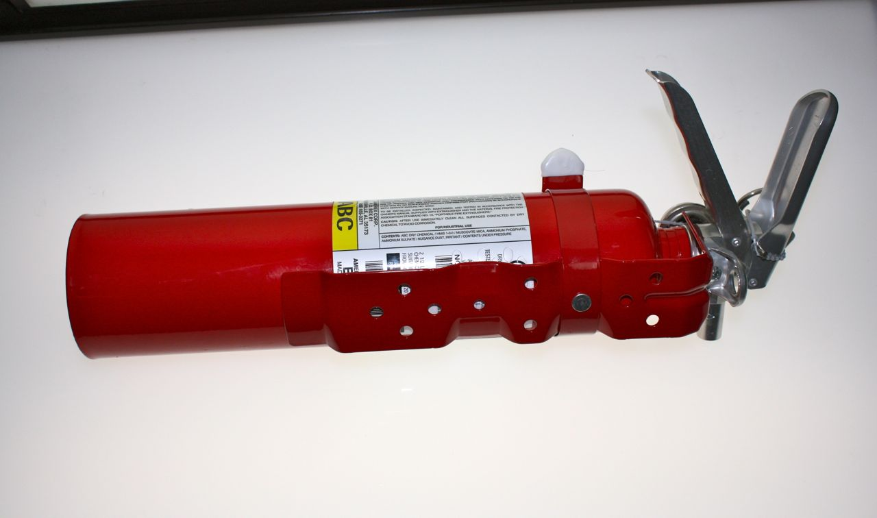 Amerex 2.5lb Fire Extinguisher Red B417T