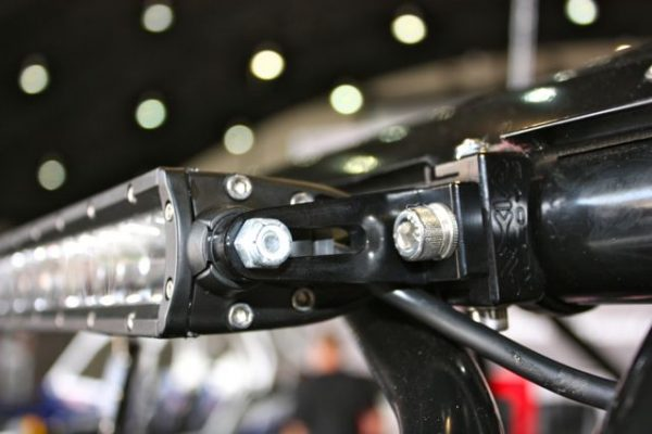 "LED Light Bar Mount for 6mm / 1/4"" end mounts"